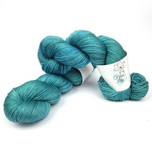 Cove hand dyed yarn by Fiber Lily Australia teal green semi sold tonal colourway for knitting and crochet1