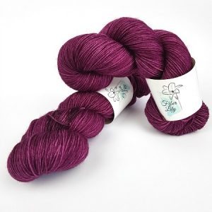 Reign hand dye yarn by Fiber Lily Australia magenta semi solid tonal colourway