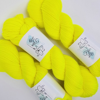 Flurellow Hand Dyed Yarn by Fiber Lily Australia bright highlighter yellow semi solid tonal colourway knitting crochet2
