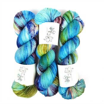 Bugle Fairy A Fiber Lily hand dyed yarn Australia Flower Fairies colourway blue, green and burgundy variegated colourway with speckles 1